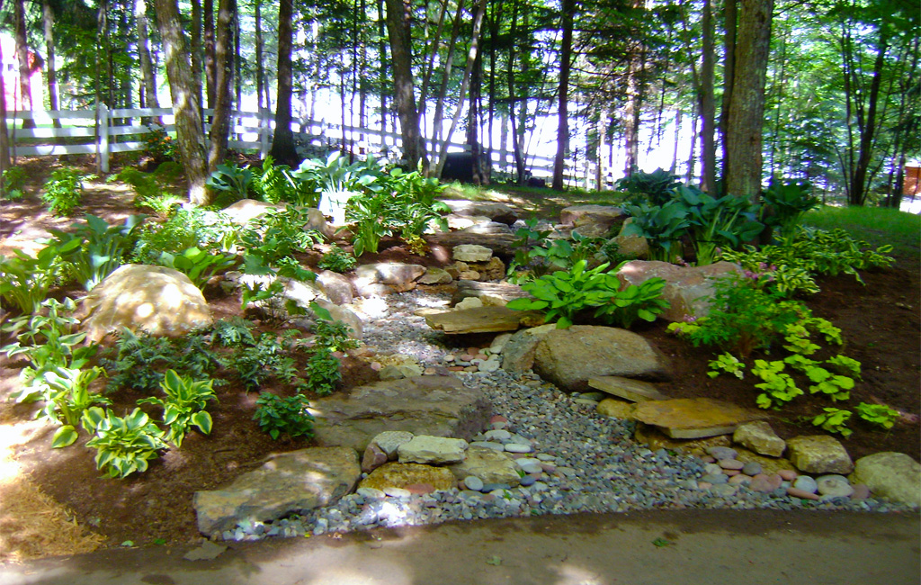 Natural landscapes custom landscaping for Custom landscaping